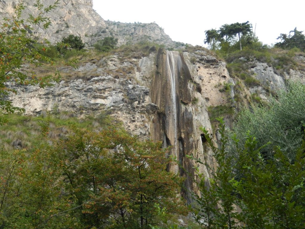 Limone Sopino Waterfall