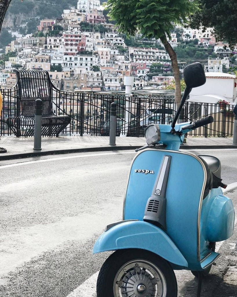 Rent a scooter Positano