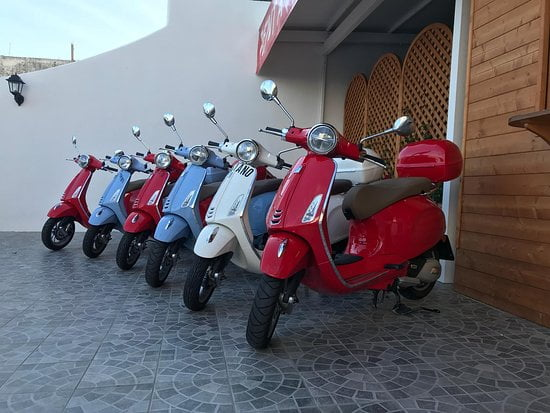 Rent a scooter Praiano